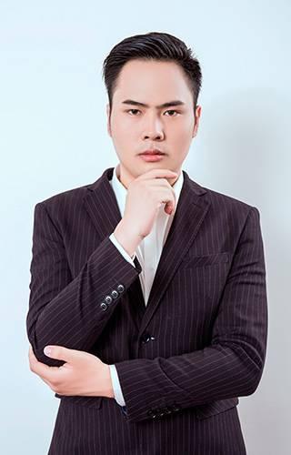 主任设计师- 陈秋浩