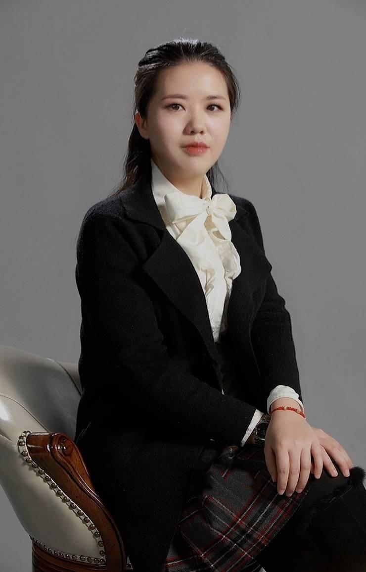 主任设计师- 邹琳