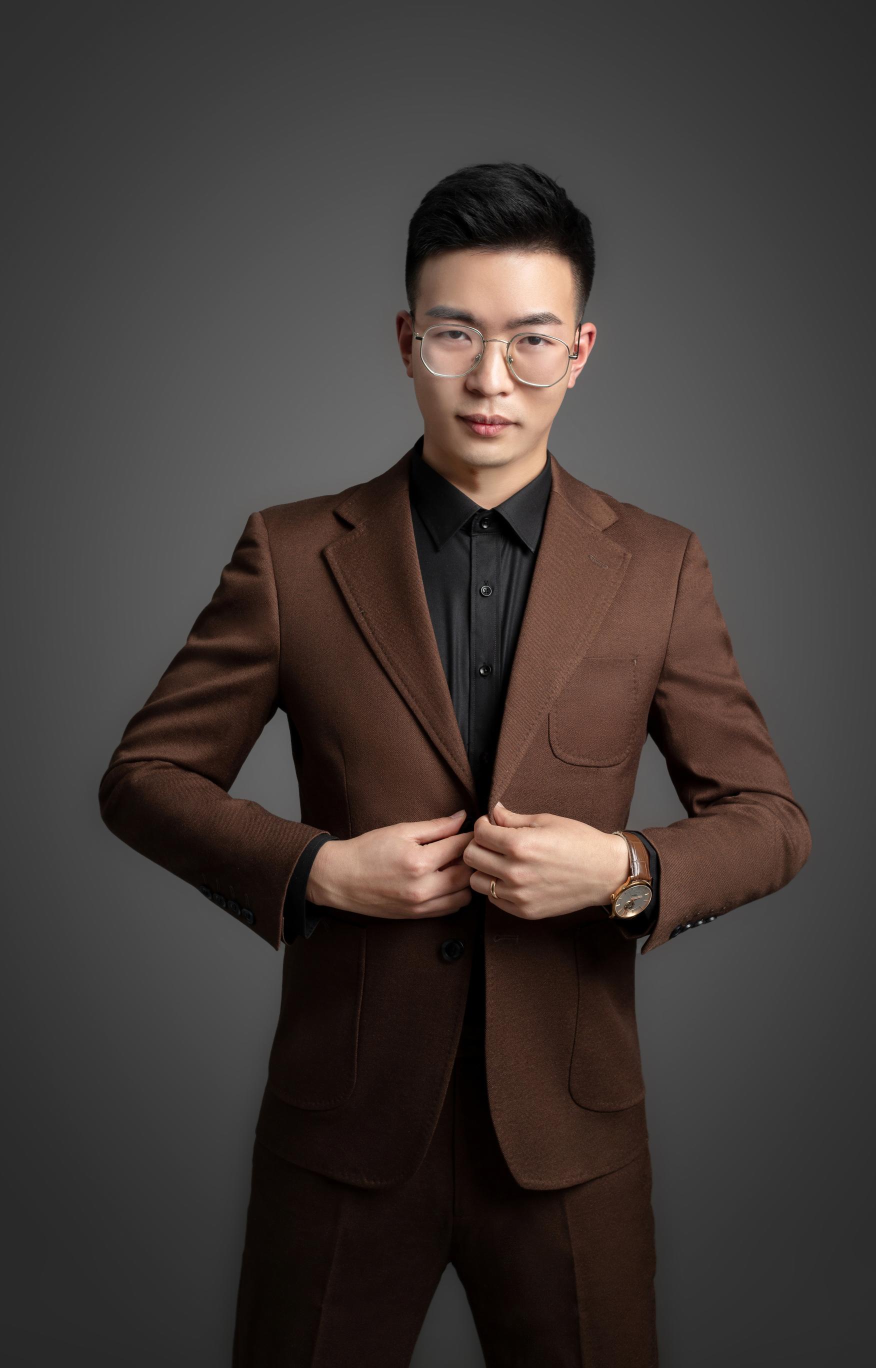 首席设计师- 刘欣朋